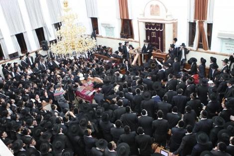 """בעצרת נגד גזירת הגיוס באדר תשע""""ג (צילום: כיכר השבת)"""
