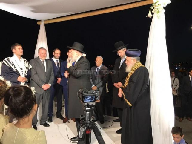 """הרבנים הראשיים בחופת בן היועמ""""ש, הערב"""