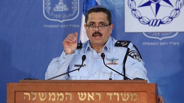 אלשיך בנאומו (צילום: גיל יוחנן - ynet)