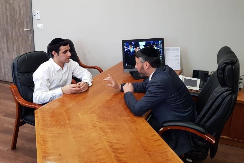 מנכ''ל ש''ס חיים ביטון בראיון לכתב ''כיכר השבת'' ישי כהן
