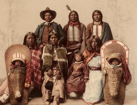 צ'יף אינדיאני ומשפחתו