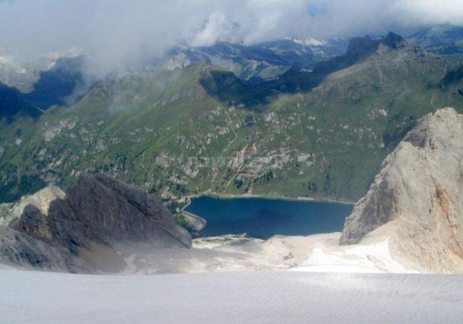 הר מרמולדה, מבט לאגם פדיה