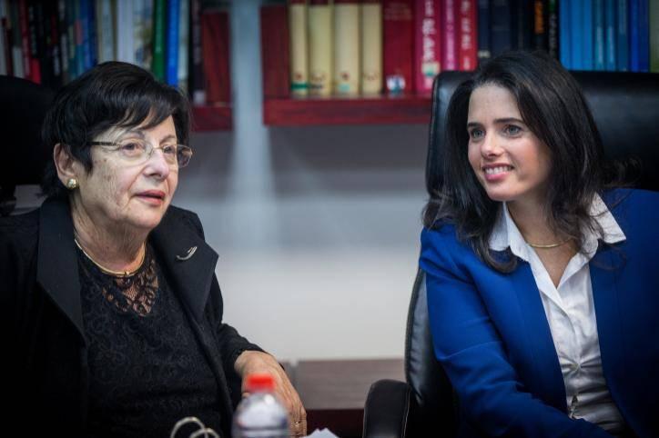 השרה איילת שקד והנשיאה מרים נאור (צילום: יונתן זינדל - פלאש 90)