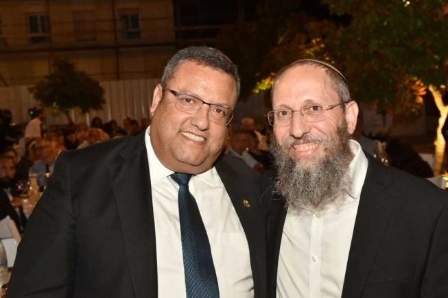 משה ליאון עם הרב יוסף צבי רימון