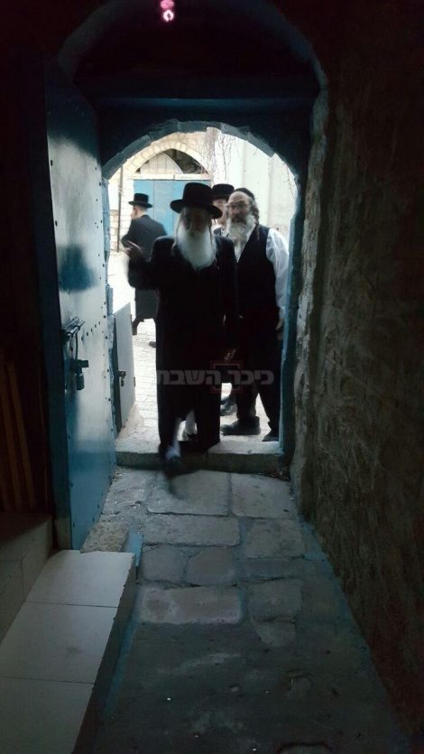 """בית הכנסת העתיק """"הצדיק הלבן"""" של התנא רבי יוסי בנאה בצפת"""