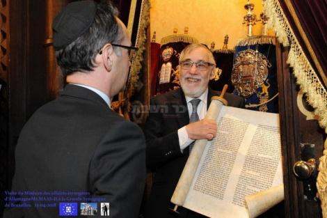 הרב גיגי עם שר החוץ הגרמני בבריסל