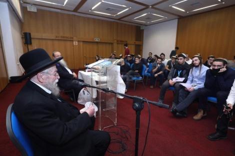 הרב זלמן נחמיה גולדברג באמירת שיעור