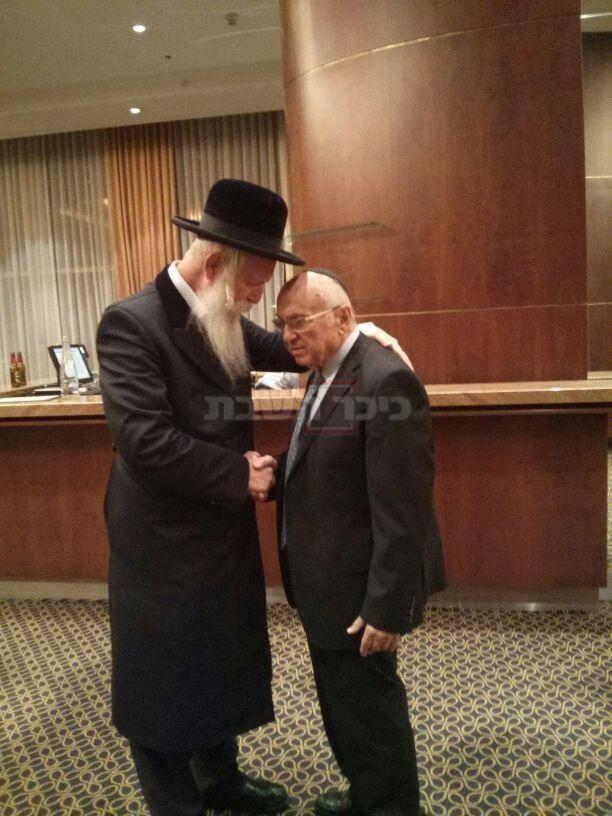 נאמן עם הרב יצחק דוד גרוסמן