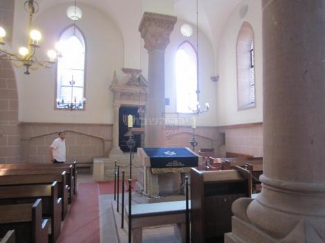 בית הכנסת מבפנים