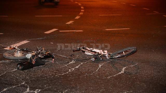האופניים בזירת התאונה (צילום: הרצל יוסף - ynet)