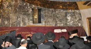 מוצאי-שבועות: אלפים בקבר דוד המלך