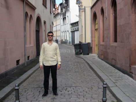 רחוב בסמוך לבית הכנסת