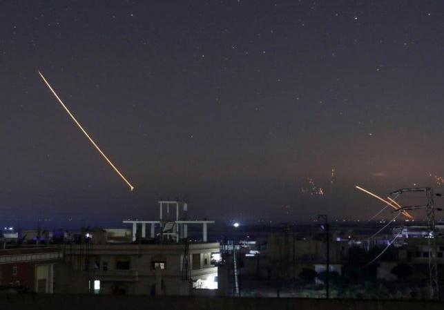 שמי סוריה, הלילה