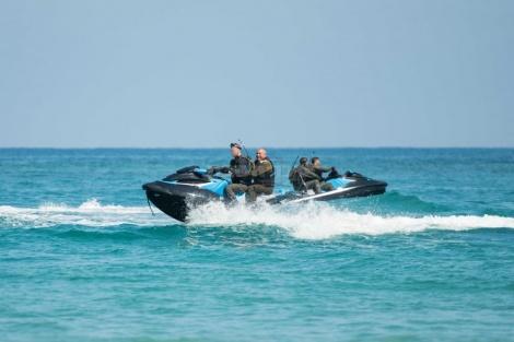 """הרמטכ""""ל במהלך ביקור בחיל הים"""