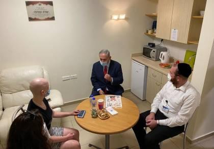 """הטיפ שנתן ראש הממשלה לילדה החולה: """"להילחם עד הסוף"""""""