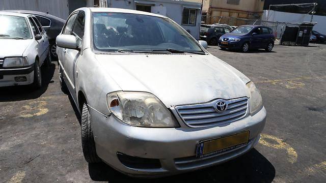 הרכב הפוגע (צילום: עמית שאבי - ynet)