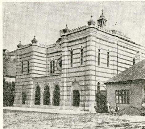 בית הכנסת בעיר אסטארגום הונגריה 5 4 ק מ מבודפסט