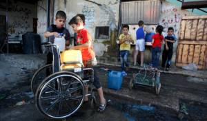 משבר המים בעזה  (צילום:עבד רחים כאתיב, פלאש 90) - בתוך שלוש שנים: לא יהיו מים לשתיה בעזה