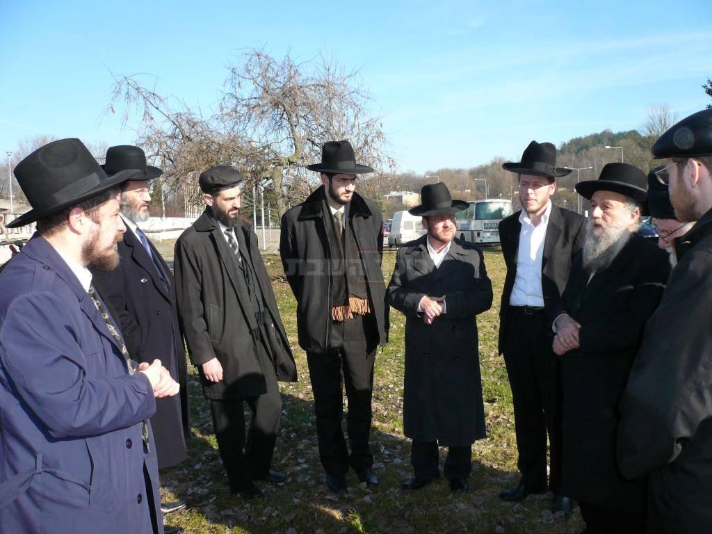 בעצרת תפילה לשימור בית העלמין הישן בווילנא