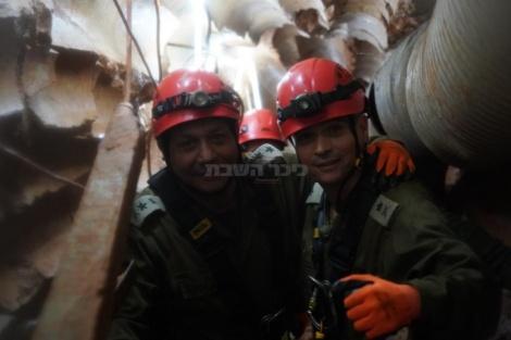 """הרמטכ""""ל בתוך מנהרת טרור התקפית משטח לבנון לישראל"""