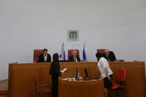 הרכב השופטים בדיון (צילום: חיים גולדברג, כיכר השבת)