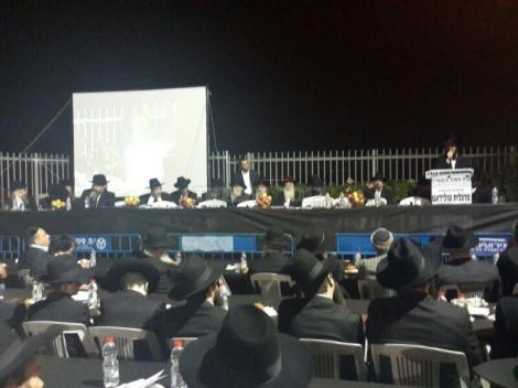 עוררו את הקהל. הרבנים בעצרת (צילום: יוסף חיים בן ציון - חדשות 24)