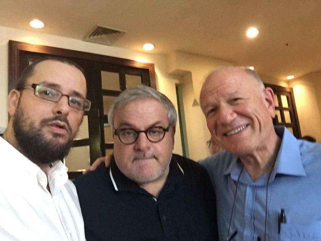נחמיה שטרסלר, מנחם הורביץ וכתב 'כיכר השבת' ישראל כהן