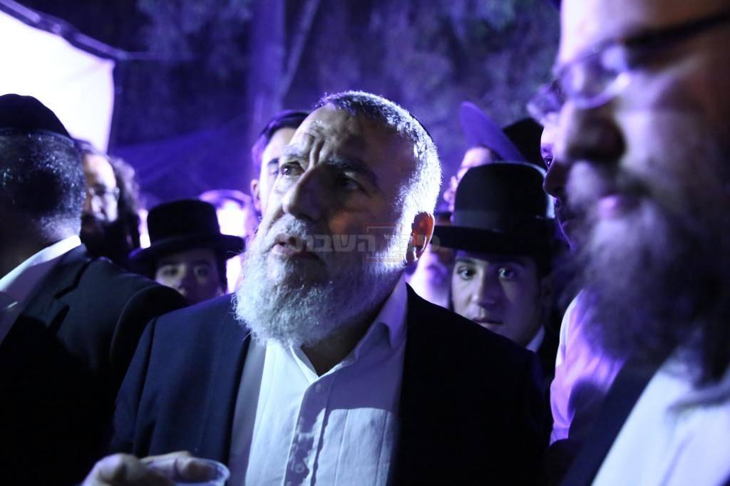 אביו של משה חזן בהפגנה