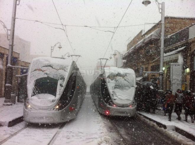 הרכבת הקלה ברחוב יפו (צילום: חגי גורן)