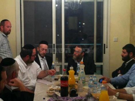 גפני ומקלב, אמש באלעד. צילום בלעדי: כיכר השבת