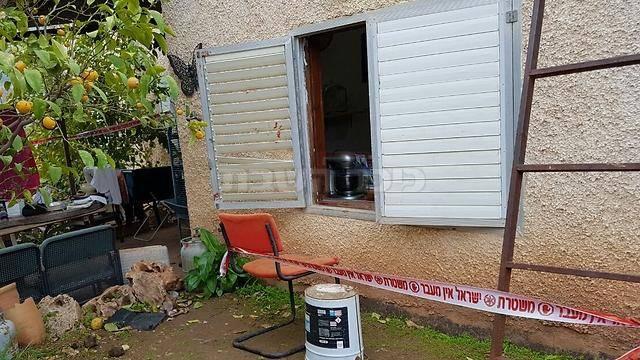 החלון ממנו ברח נתן (צילום: מתוך ynet)