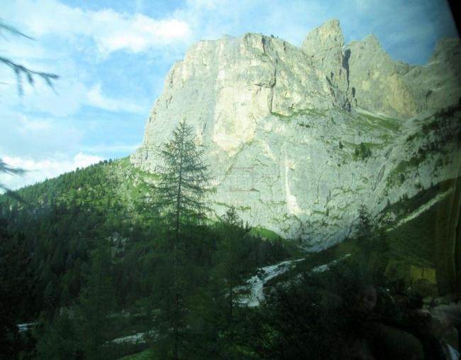 בדרך מעמק גרדנה לפאסו סלה