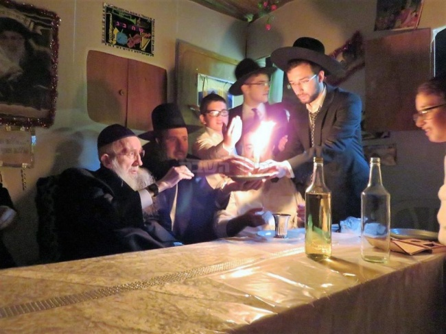 בחג הסוכות (צילום: אהרן ברוך ליבוביץ)