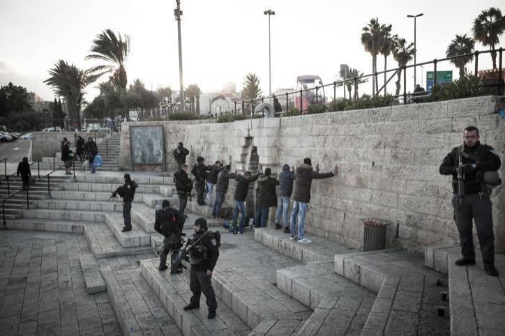 ערבים בשער שכם (צילום: סבי ברנס פלאש 90)