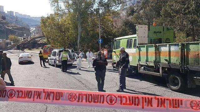 זירת הפיגוע בחיפה (צילום: גיל נחושתן)