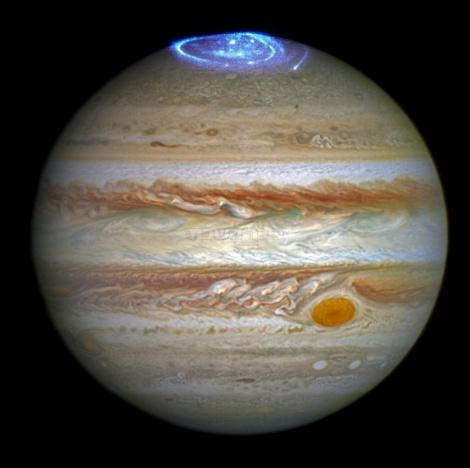 פרצי אנרגיה על צדק שצולמו מטלסקופ החלל האבל