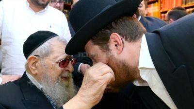 שלמה גולשטיין עורך 'המהדורה המרכזית' מקבל ברכה