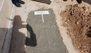 יציקת הבטון בציונו של זקן הראשונים לציון
