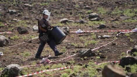 ההכנות לפיצוץ (צילום: דוברות משרד הביטחון)