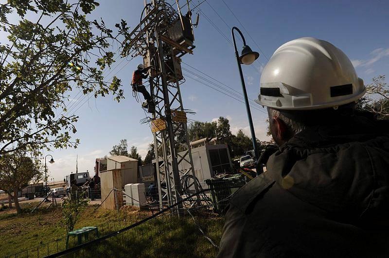 חברת החשמל תגברה צוותים מחשש לתקלות (צילום ארכיון: Gili Yaari / Flash 90)