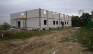 הבניין שנבנה בעיירה רימינוב