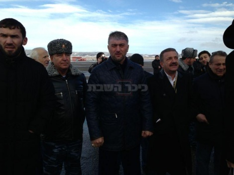 אדם, מספר שניים בממשל הצ'צ'ני עם טלמן איסמאילוב