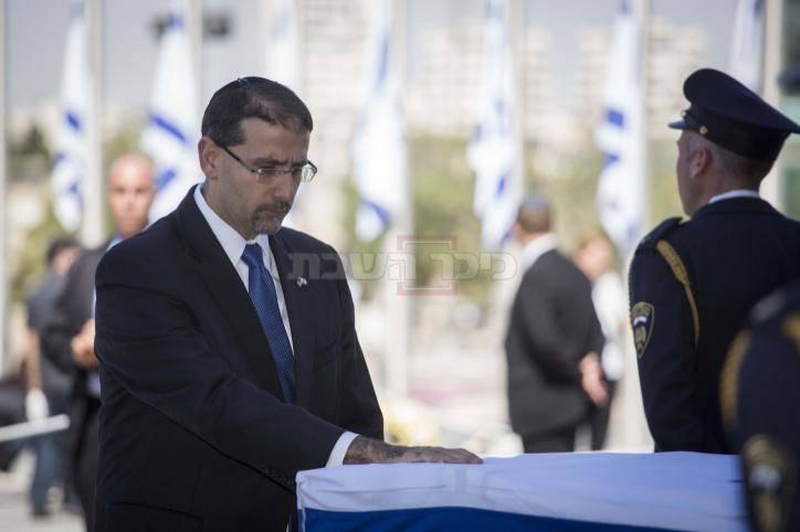 שגריר ארה''ב בישראל דן שפירו נפרד מפרס (צילום: תומר נויברג - פלאש 90)