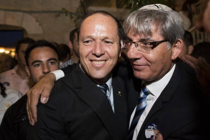 תורג'מן עם ראש העיר ניר ברקת (צילום: יונתן זינדל - פלאש 90)