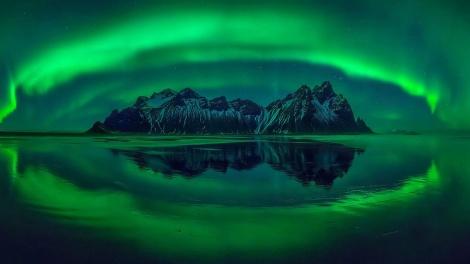 """""""התמונה שמספרת סיפור"""" - אורות הצפון באיסלנד (צילום: Wojciech Kruczynski)"""