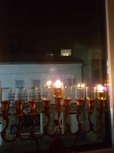 הדלקת נרות בכפר האנוסים בלמונטה פורטוגל. באדיבות אריה זריבי