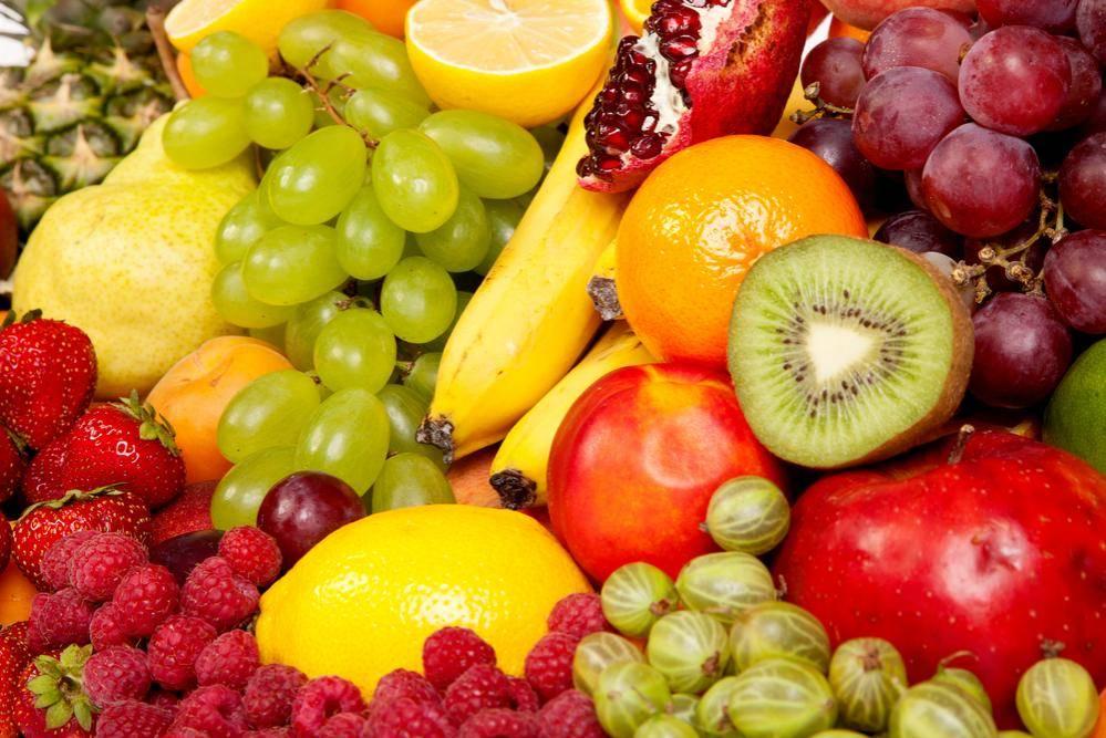 פירות חתוכים כתחליף לחטיפים. צילום: שאטרסטוק
