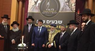 הרב חיים קורסייה (צילום: אלי איטקין) - בקהילה היהודית בצרפת משיבים אש: לה פן מלבה שנאה