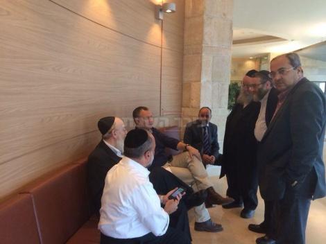 ההתייעצות של חברי הכנסת