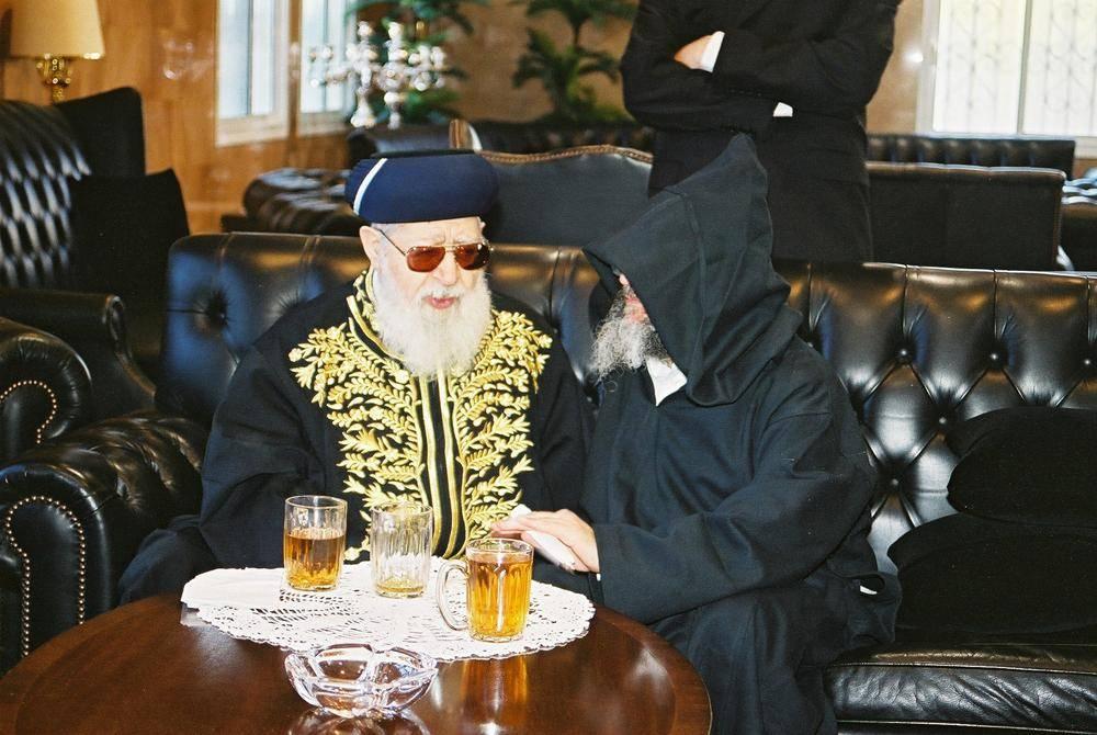 רבי אלעזר אבוחצירא עם מרן הגר